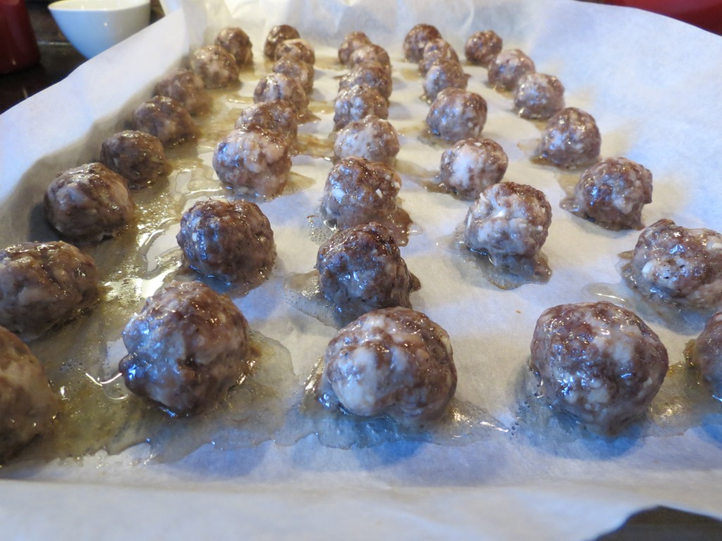 The best part of baking the meatballs is that there is zero cleanup required stove side.  Sweet.